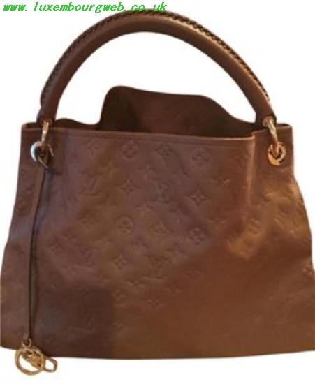 Louis Vuitton Hobo Style Bags