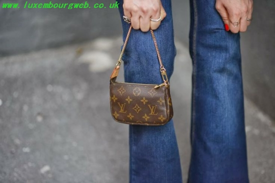 fdf83dbb847c Louis Vuitton Mini Pochette Crossbody buylouisvuittonuk.ru