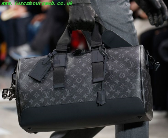 Louis Vuitton Travel Bag Men buylouisvuittonuk.ru c77251173d660